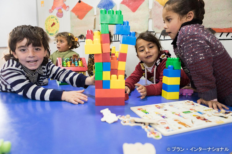 ヨルダンの難民キャンプにいる子どもたちに光を